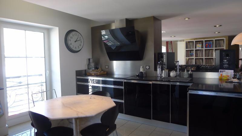 T4 avec terrasse au coeur des chartrons bordeaux hb for Achat appartement bordeaux chartrons