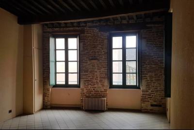 Bel appartement T2 avec terrasse + cave - hyper-centre CAHORS