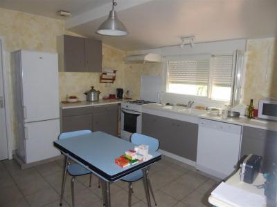 Maison 4 chambres de plain-pied avec garage, terrasse et jardin!