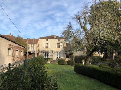 Maison au centre ville de Prayssac.