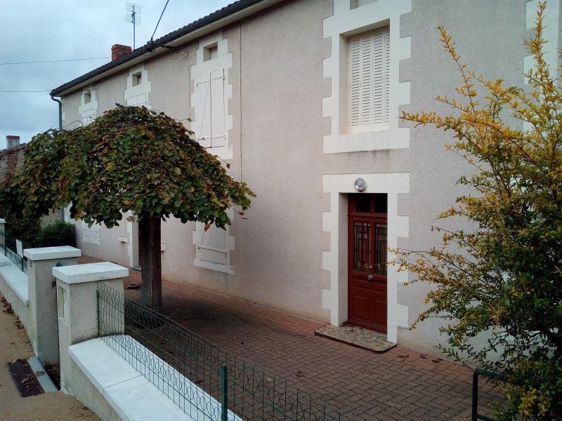 Vente maison de 150 m² à LUSSAC LES CHATEAUX