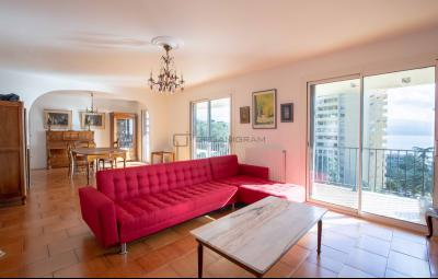 AJACCIO, Grand appartement avec vue mer de 110 m2
