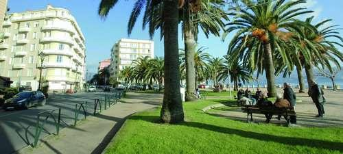 Location AJACCIO, F2 QUARTIER ALBERT 1ER