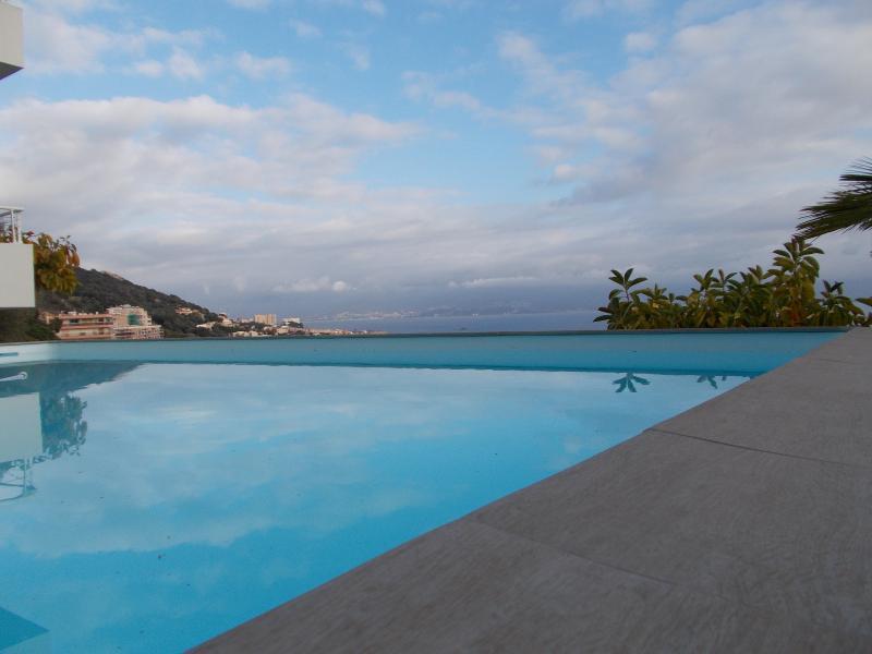 Ajaccio sanguinaires prestigieuse villa piscine vue for Piscine ajaccio