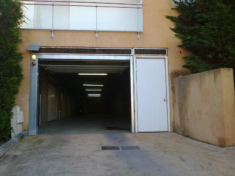 Loue garage quartier barbicaja santa lina route des for Location garage ajaccio