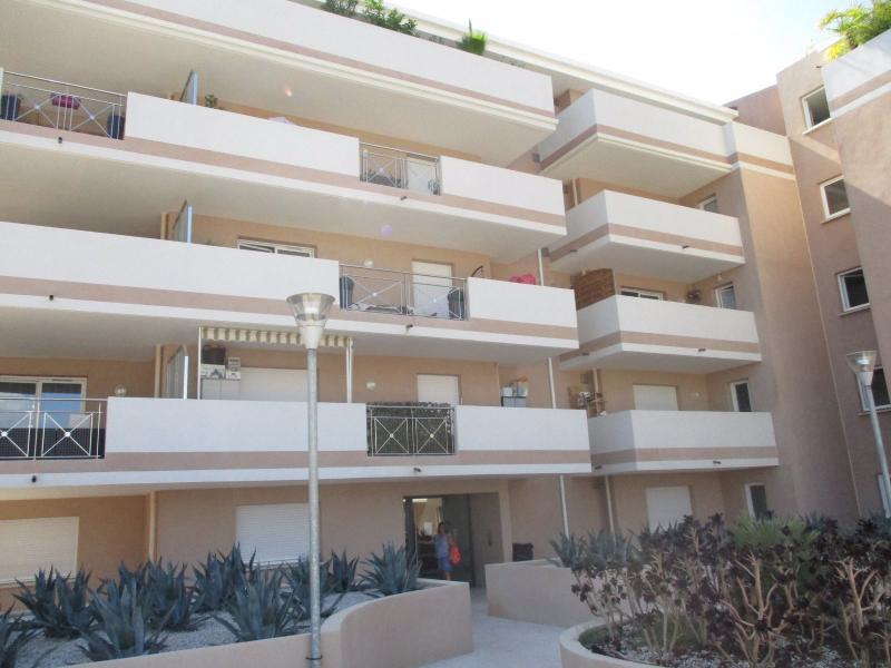 Vente AJACCIO Entrée de ville, Studio 22m2 et belle terrasse 10 m2 dans résidence très récente, état neuf.