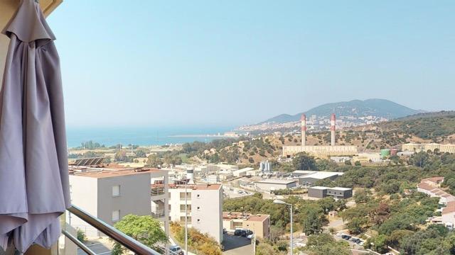 Vente Spacieux T4 vue mer sur les hauteurs du Vazzio