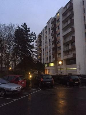 APPARTEMENT (106M�) 3 CHAMBRES, DOUBLE SEJOUR + 2 PARKINGS + CAVE + BALCON + TERRASSE