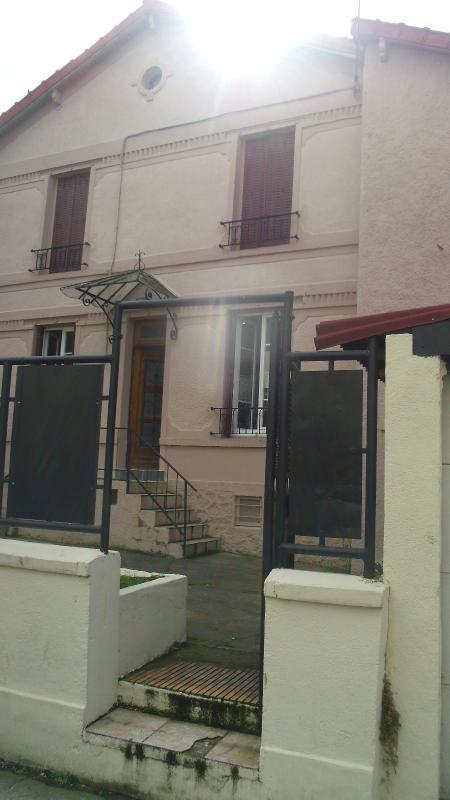 MAISON DE VILLE AVEC COUR ET GARAGE PROCHE FORT D'AUBERVILLIERS