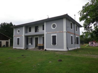 Maison de ma�tre r�nov�e 2 granges sur 2 hectares id�al chevaux
