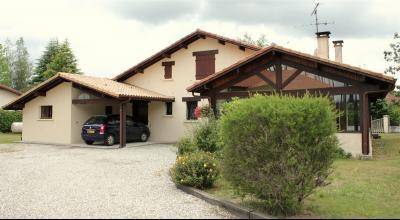 Maison traditionnelle 130 m2 T5 1100m2 jardin clos