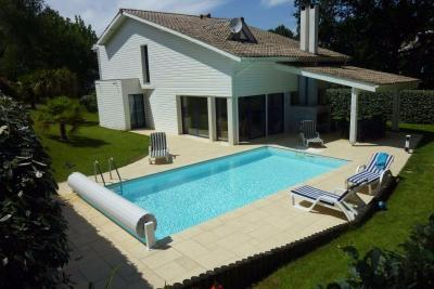 Face au golf villa de standing T5 149m2 piscine chauffée