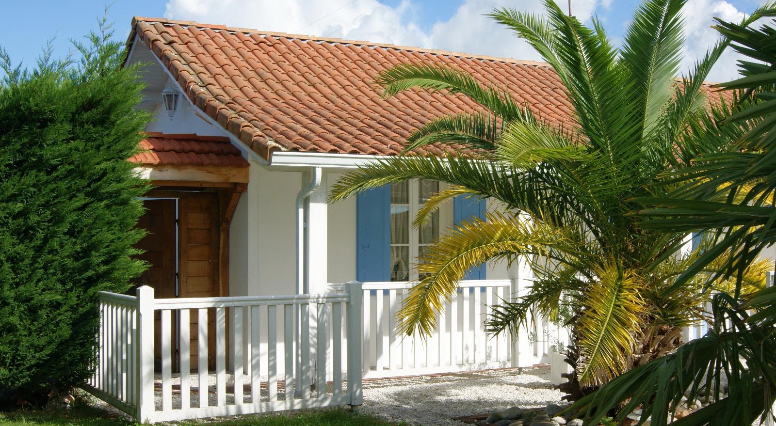 Gujan mestras villa arcachonnaise avec deux maisons d for Piscine spa gujan mestras