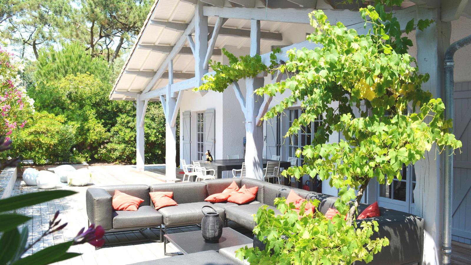 Cap ferret maison de famille avec piscine proche plage for Maison a louer cap ferret avec piscine