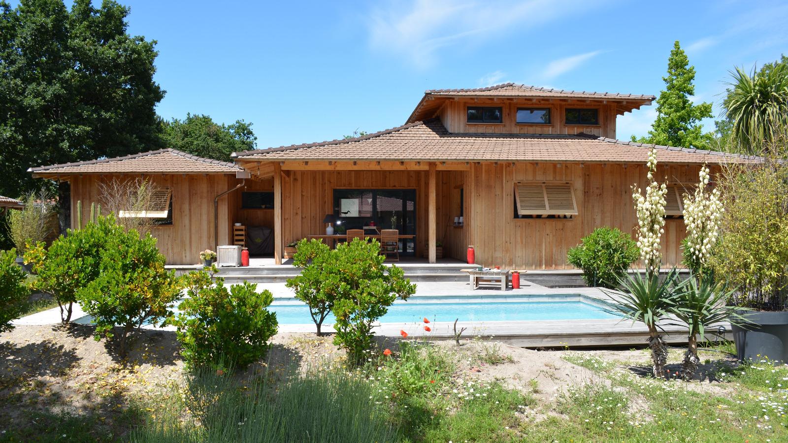 l ge cap ferret centre village maison en bois avec piscine immo prestige. Black Bedroom Furniture Sets. Home Design Ideas
