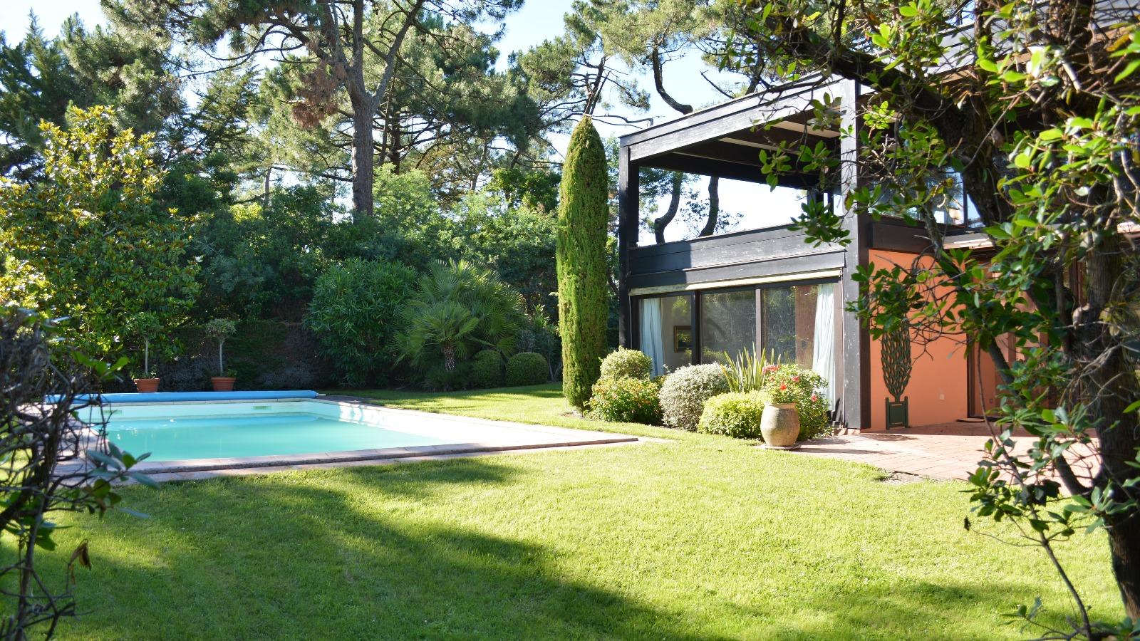 Cap ferret maison avec piscine proche bassin immo prestige for Belles maisons du bassin