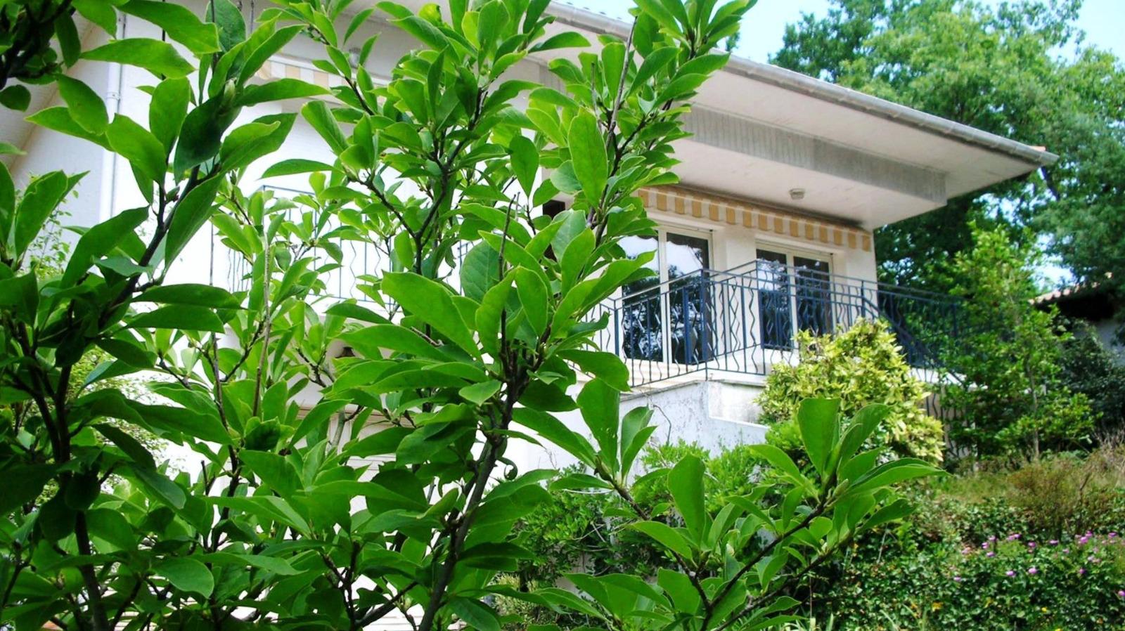 Arcachon pereire maison familiale deux pas du bassin for Belles maisons du bassin
