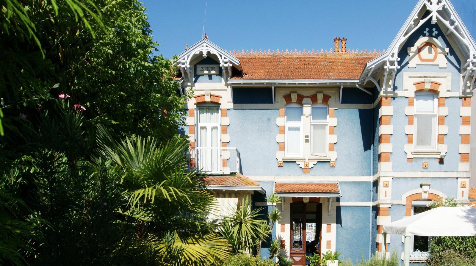 Arcachon villa arcachonnaise en premire ligne avec maison for Achat premiere maison subvention