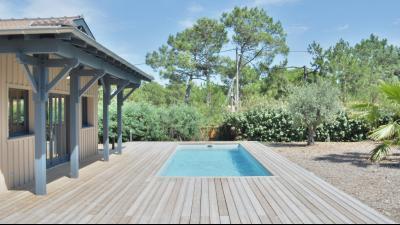 Cap Ferret, entre Bassin et Océan, maison Bois d'architecte avec piscine