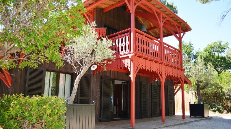 Villas au cap ferret vendre immobilier haut de gamme par belles maisons du - Maison bois cap ferret ...