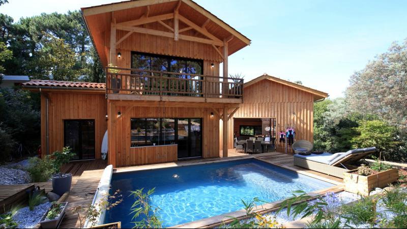 maison au pyla sur mer proche bassin et dune du pilat immobilier haut de gamme. Black Bedroom Furniture Sets. Home Design Ideas