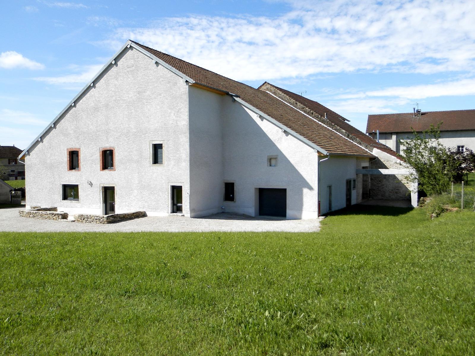 Vente poligny 39 maison en pierre de 220 m sur for Agrandissement maison sur terrain non constructible