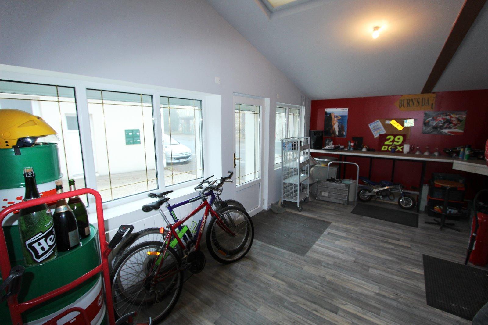 Lons le saunier 39 jura vendre appartement de plain pied de 200 m 3d immobilier - Garage thevenod lons le saunier ...