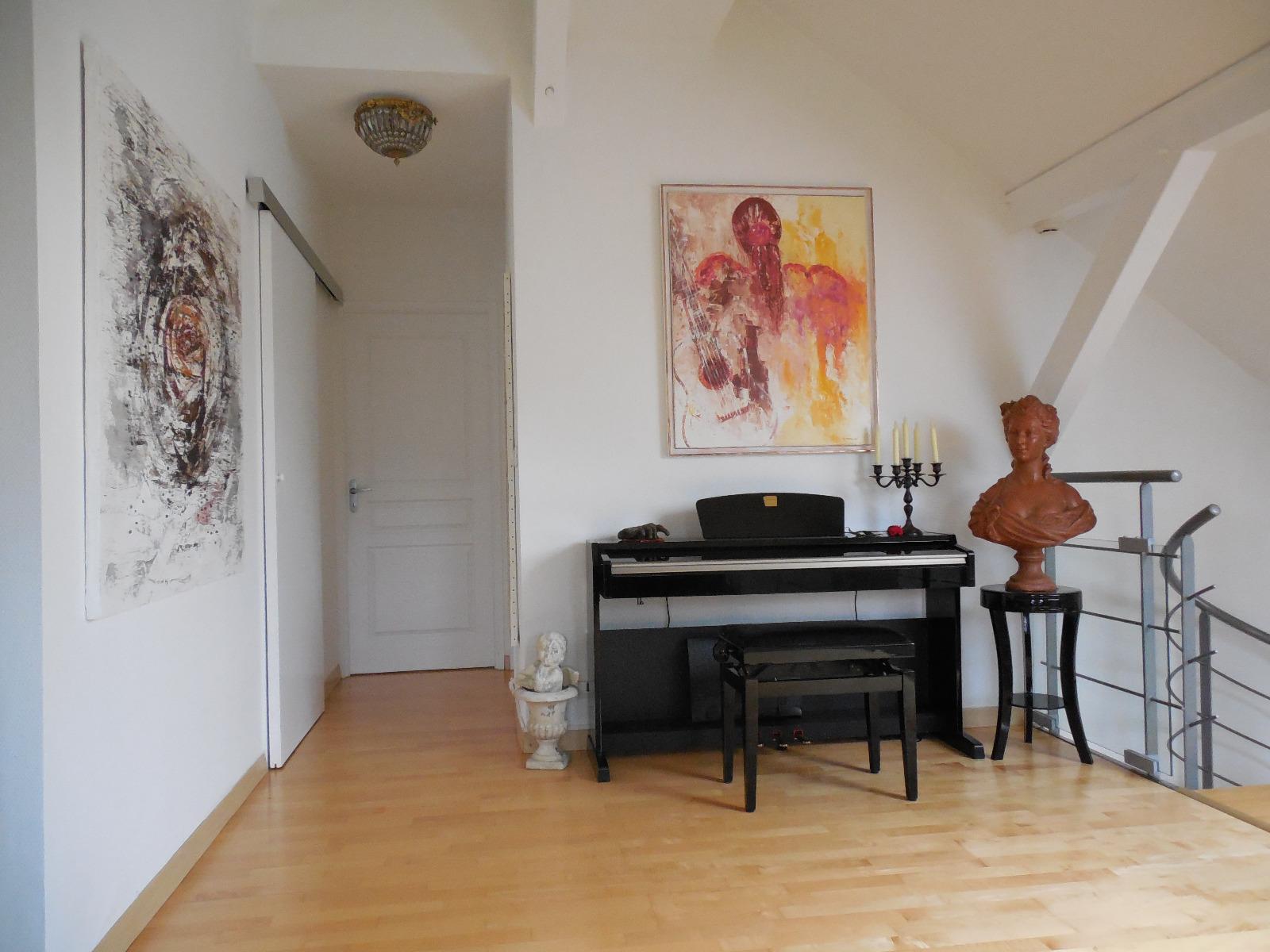 entre thonon et evian vendre appartement duplex t5 situ les pieds dans l 39 eau surface 155 m. Black Bedroom Furniture Sets. Home Design Ideas