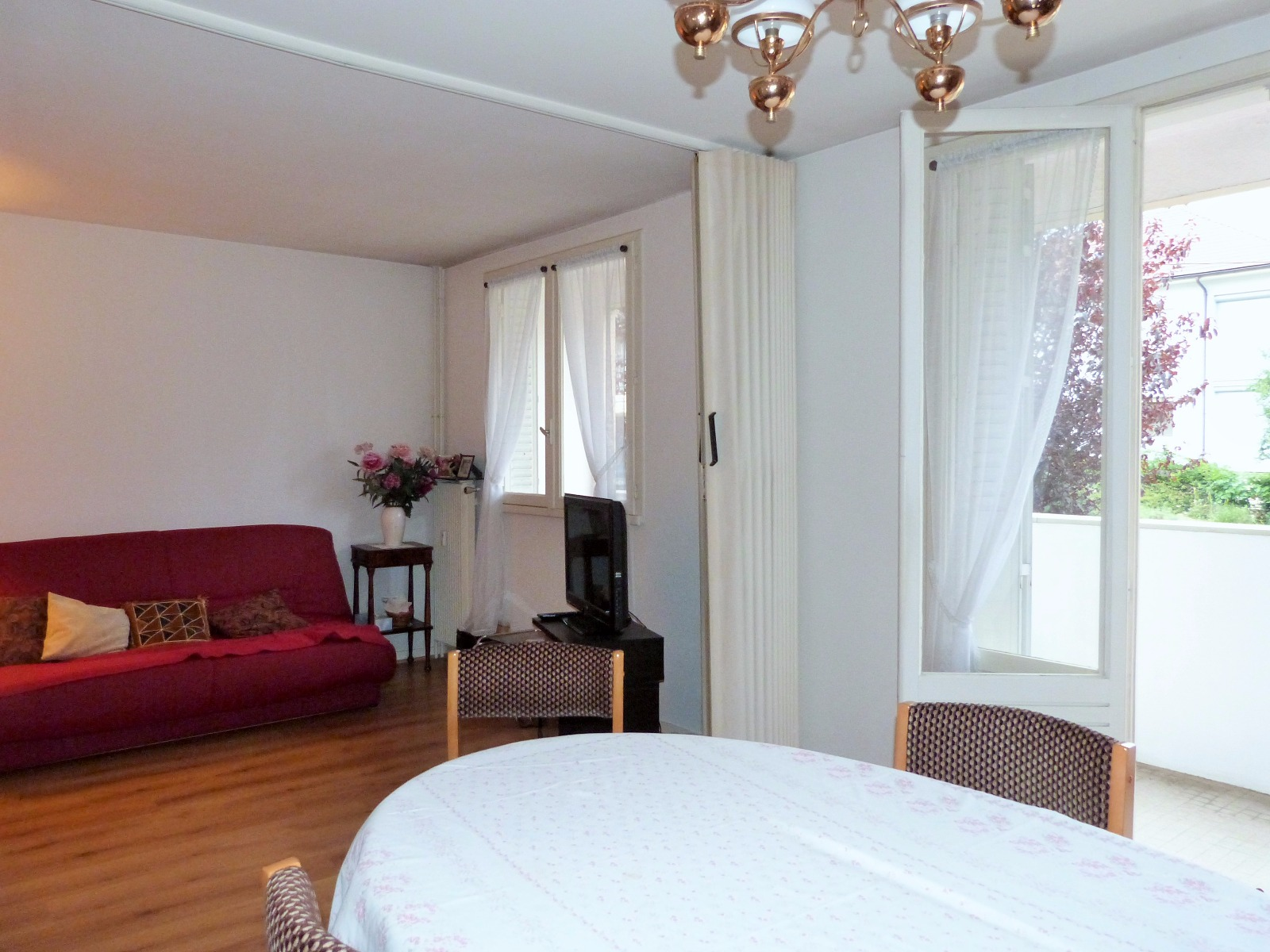 lons le saunier 39000 centre ville 5mn vends appartement t3 rez de chauss e sur lev. Black Bedroom Furniture Sets. Home Design Ideas
