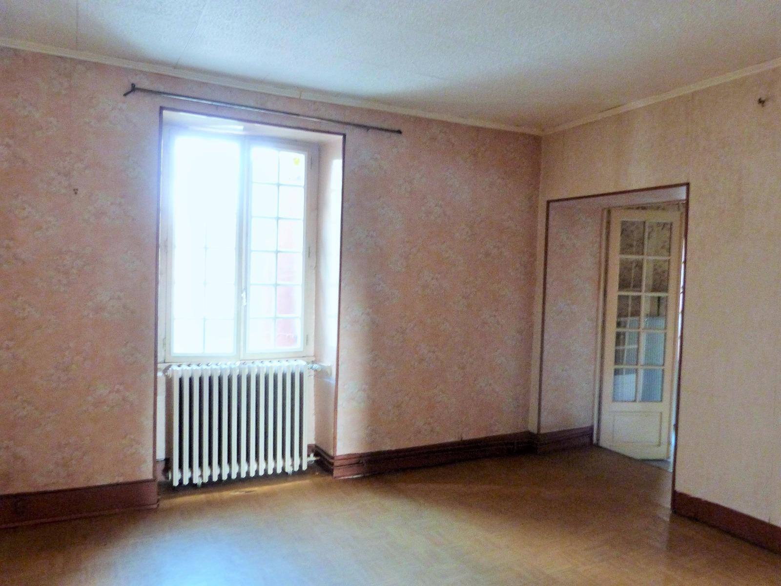 Lons le saunier 11km vends maison r nover 1er tage appartement rez de chauss e atelier - Garage thevenod lons le saunier ...