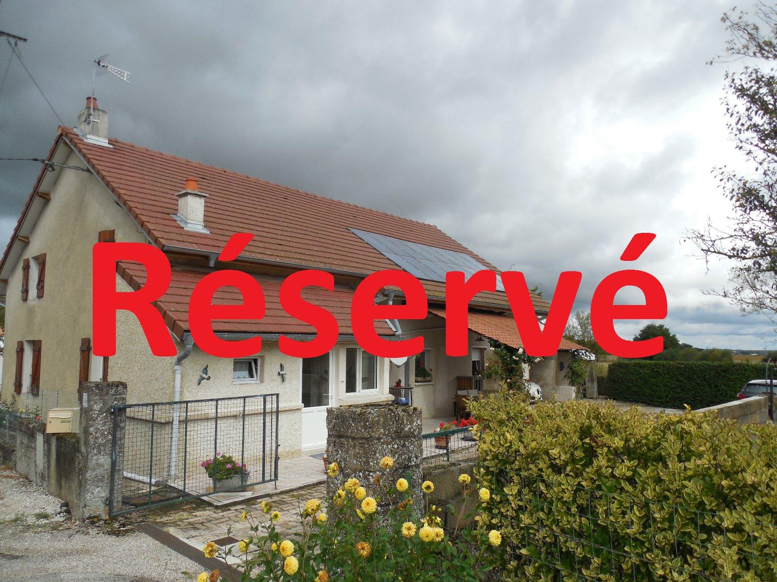 Dole secteur saint aubin 39410 a vendre maison de 140 m for Cuisine 3d dole