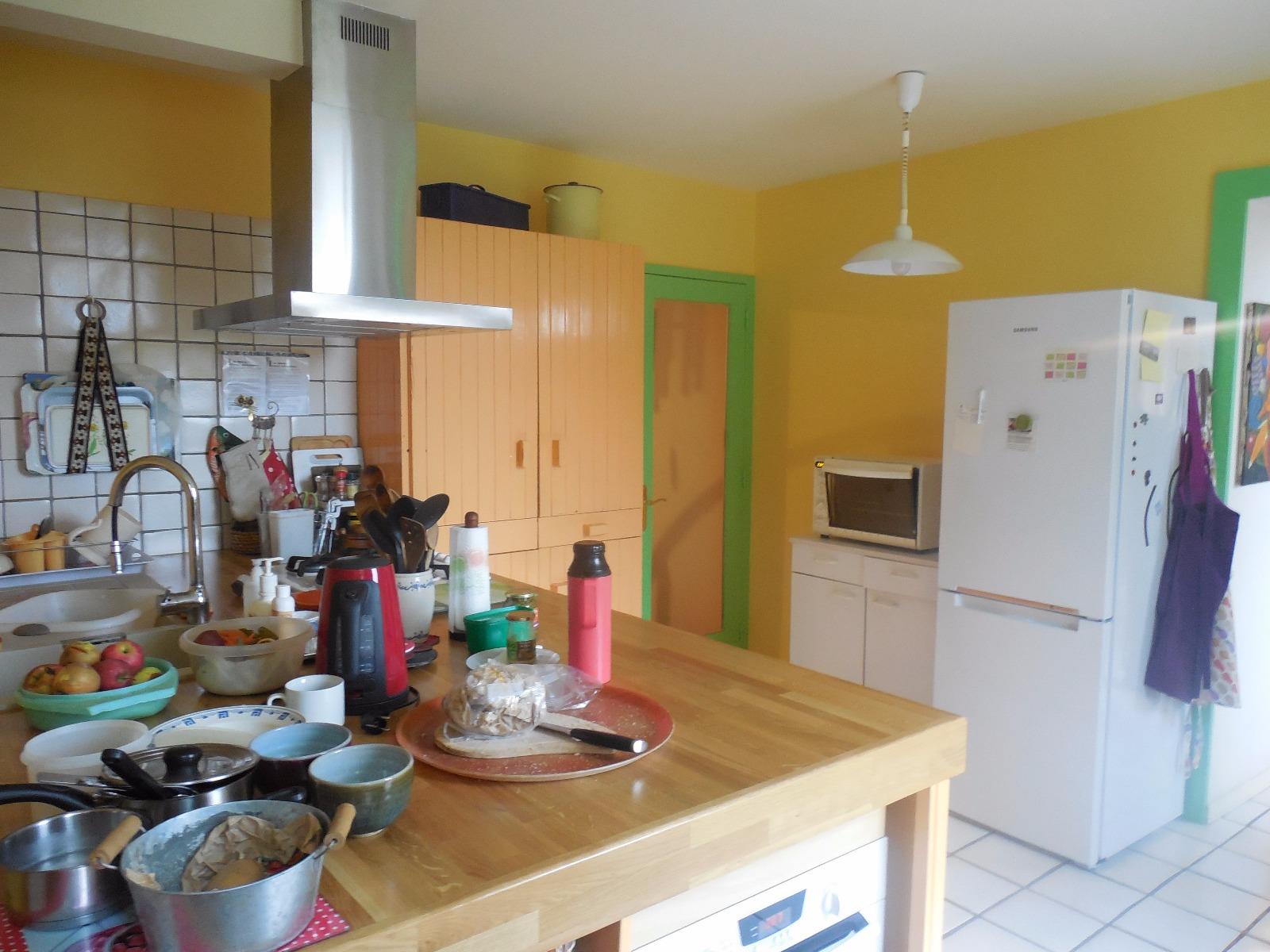 Dole 39100 maison de famille 7 chambres proche centre - Cuisine maison de famille ...