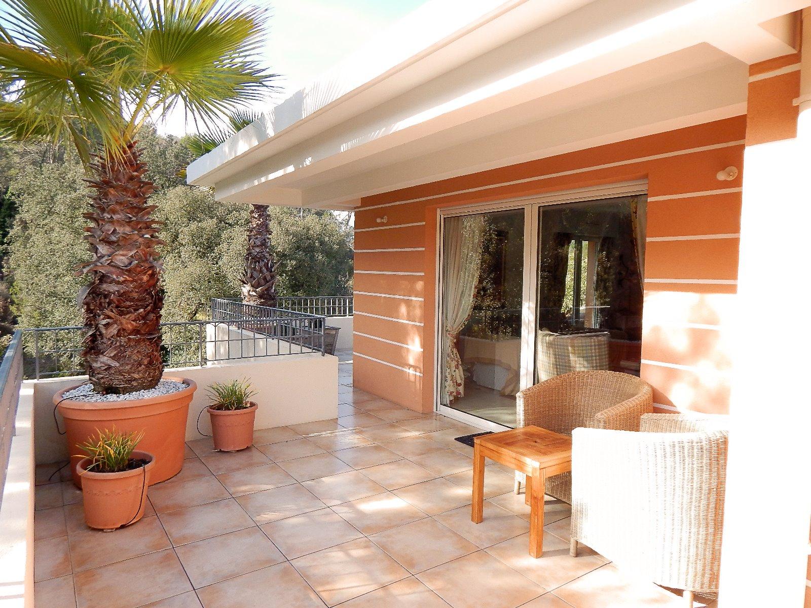 valbonne 06 alpes maritimes a vendre villa sur toit appartement avec 130m2 toit terrasse 3d. Black Bedroom Furniture Sets. Home Design Ideas