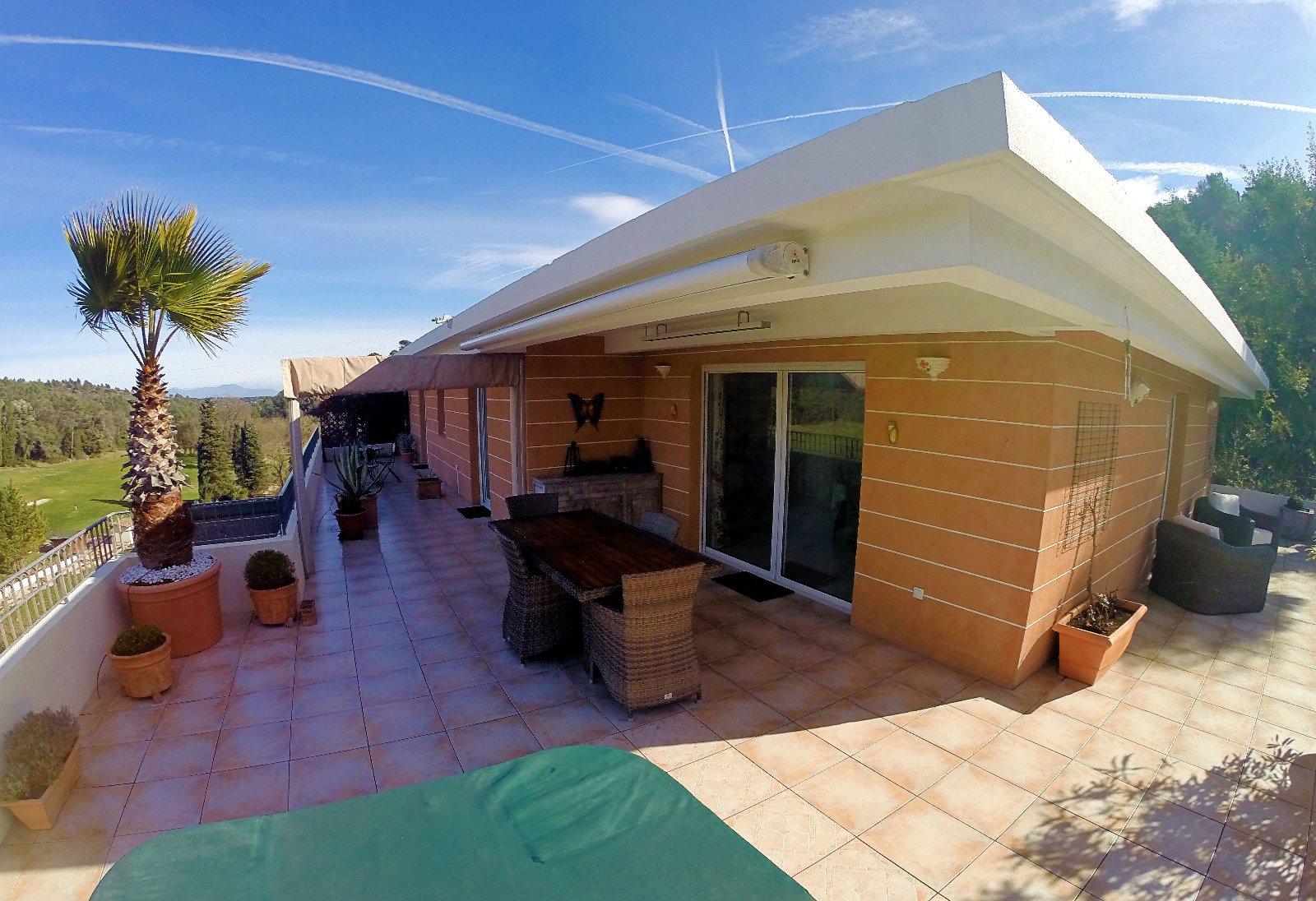 Valbonne 06 alpes maritimes a vendre villa sur toit for Immobilier toit terrasse