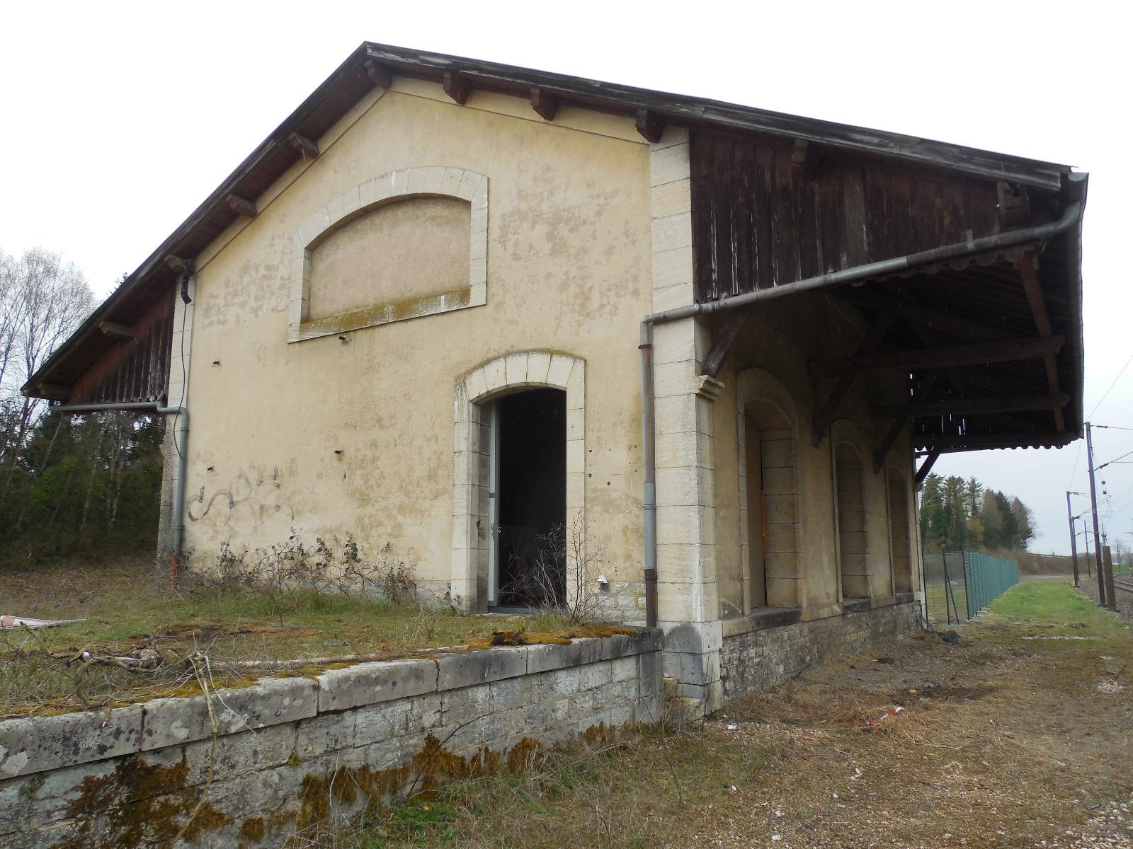 A vendre axe dole besancon local de 120 m sur 35 ares de terrain clos 3d immobilier - Frais de notaire achat garage ...