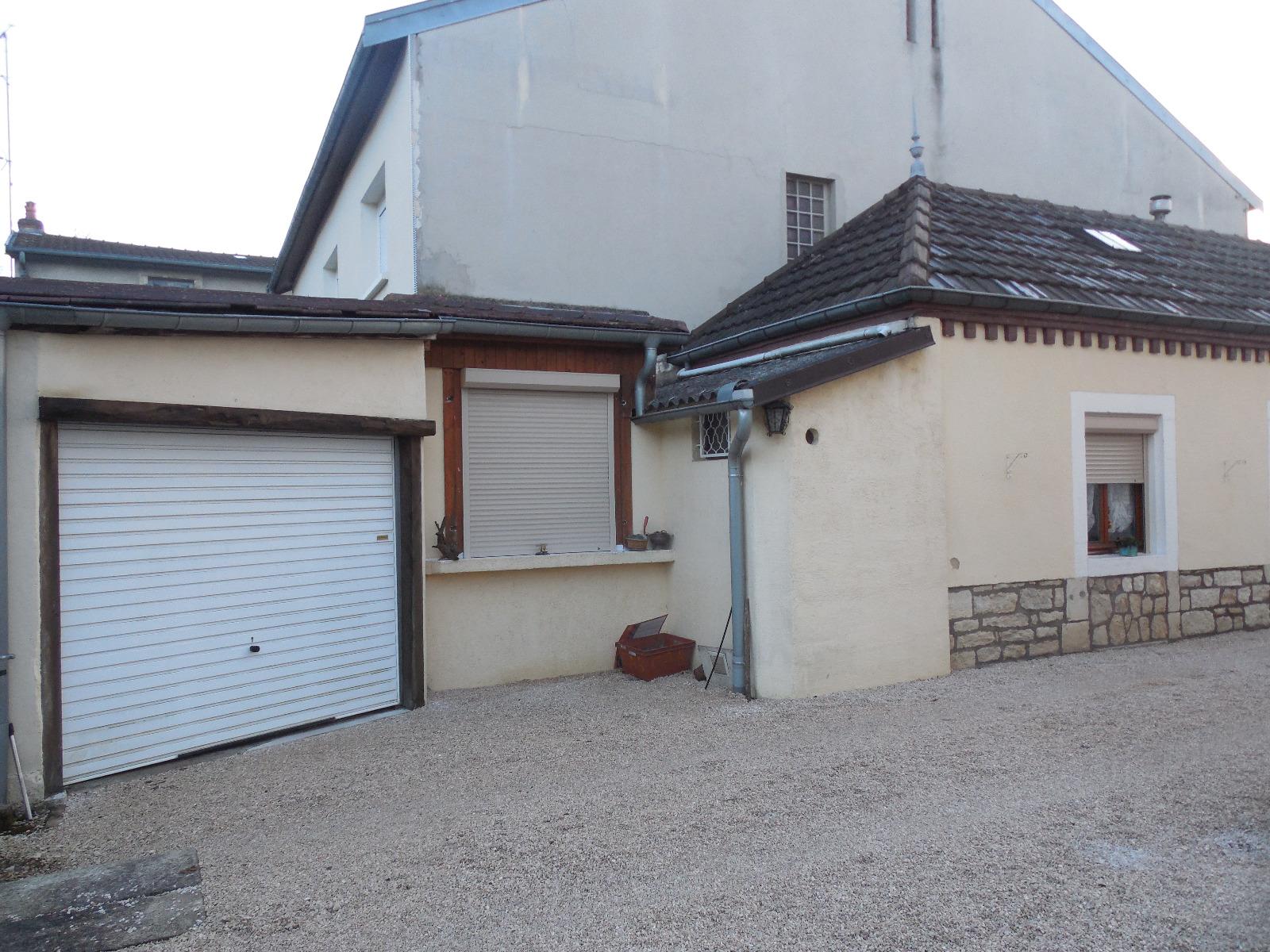 a vendre dole petite maison 55 m env avec garage et jardin 3d immobilier. Black Bedroom Furniture Sets. Home Design Ideas