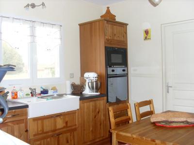 Vente secteur BRANGES (71500), maison de plain-pied (2009), 106 m² sur terrain de 2400 m², CUISINE EQUIPEE 13 m²