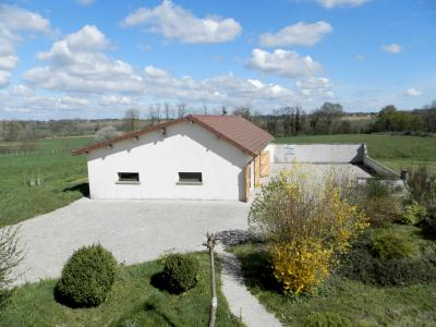 Vente PIERRE DE BRESSE (71), maison 145 m² (1994) et dépendances, sur terrain 4000 m², COUR