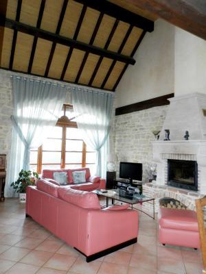 Vente proche Lons le Saunier (39) et LOUHANS (71), maison de caractère 157 m² sur terrain 2400 m², CUISINE EQUIPEE 26 m²
