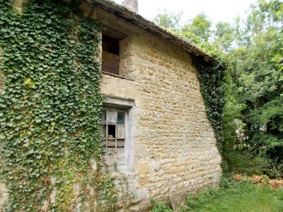 Vente VOITEUR (39210), maison en pierre à rénover 145 m² environ, sur terrain 1181 m², DEPENDANCE