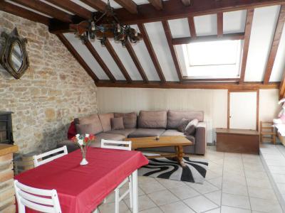 Vente BLETTERANS (39), maison en pierre 200 m², sur terrain de 2078 m²., PIECE DE VIE logement 2