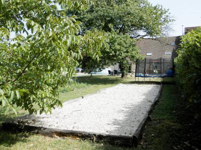 Vente BLETTERANS (39), maison en pierre 200 m², sur terrain de 2078 m²., TERRAIN avec jeu pétanque