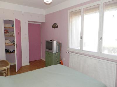 Vente proche BLETTERANS (39), maison de 100 m² + garage,  sur terrain 991 m², CHAMBRE 13.30 m²
