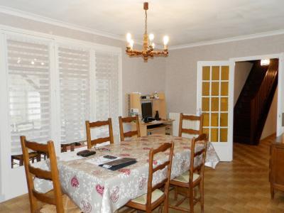 Secteur MERVANS (71), vends maison familiale 110 m² env. + dépendances, sur terrain 5500 m², SALON SEJOUR 29 m²
