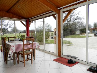 Secteur MERVANS (71), vends maison familiale 110 m² env. + dépendances, sur terrain 5500 m², VERANDA 20 m²