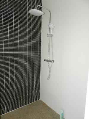 Vente LONS LE SAUNIER Nord (39), maison récente (2013), plain-pied 105 m² env. sur terrain 964 m², DOUCHE ITALIENNE suite
