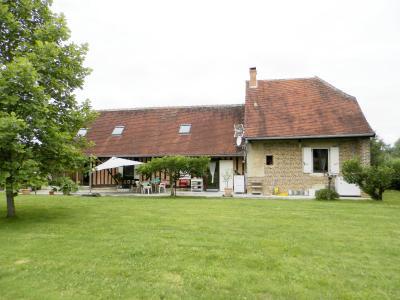 Vente BLETTERANS (39), ferme rénovée de 150 m² sans voisinage proche, terrain 25694 m², PLAN D