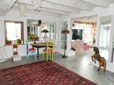 Vente BLETTERANS (39), ferme rénovée de 150 m² sans voisinage proche, terrain 25694 m², CUISINE EQUIPEE 29 m²
