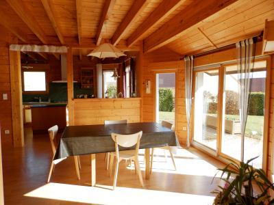 Vente secteur BLETTERANS (39), maison familiale 121 m² (2006), sous-sol enterré, terrain 1508 m², CUISINE EQUIPEE 15.57 m²