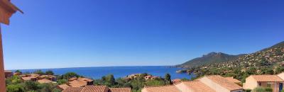 Théoule sur Mer, (06 Alpes Maritimes)à vendre maison jumelée exposé plein sud vue mer, terrasse 20m2, panorama